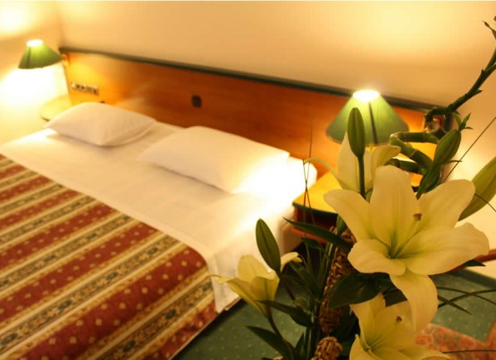 Spend the most romantic weekend on the seaside, Zadar, hotel Mediteran 3*, 2 half-boards for 2 persons 860 kn!