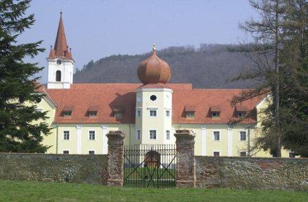 Isusovački dvorac, Kutjevo