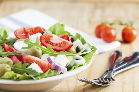 Grčka salata s piletinom