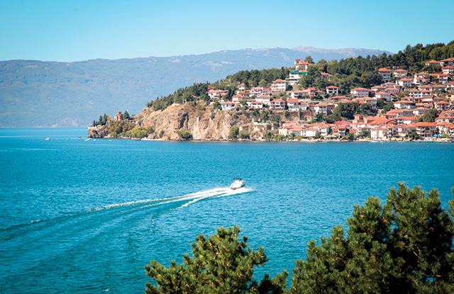 Vikend na predivnom jezeru Ohrid, 2 noćenja samo 756 kn za dvoje!