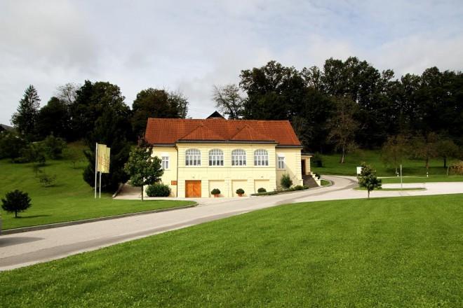 Posjetite Staru vas i Vilu Istenič u Bizeljskom