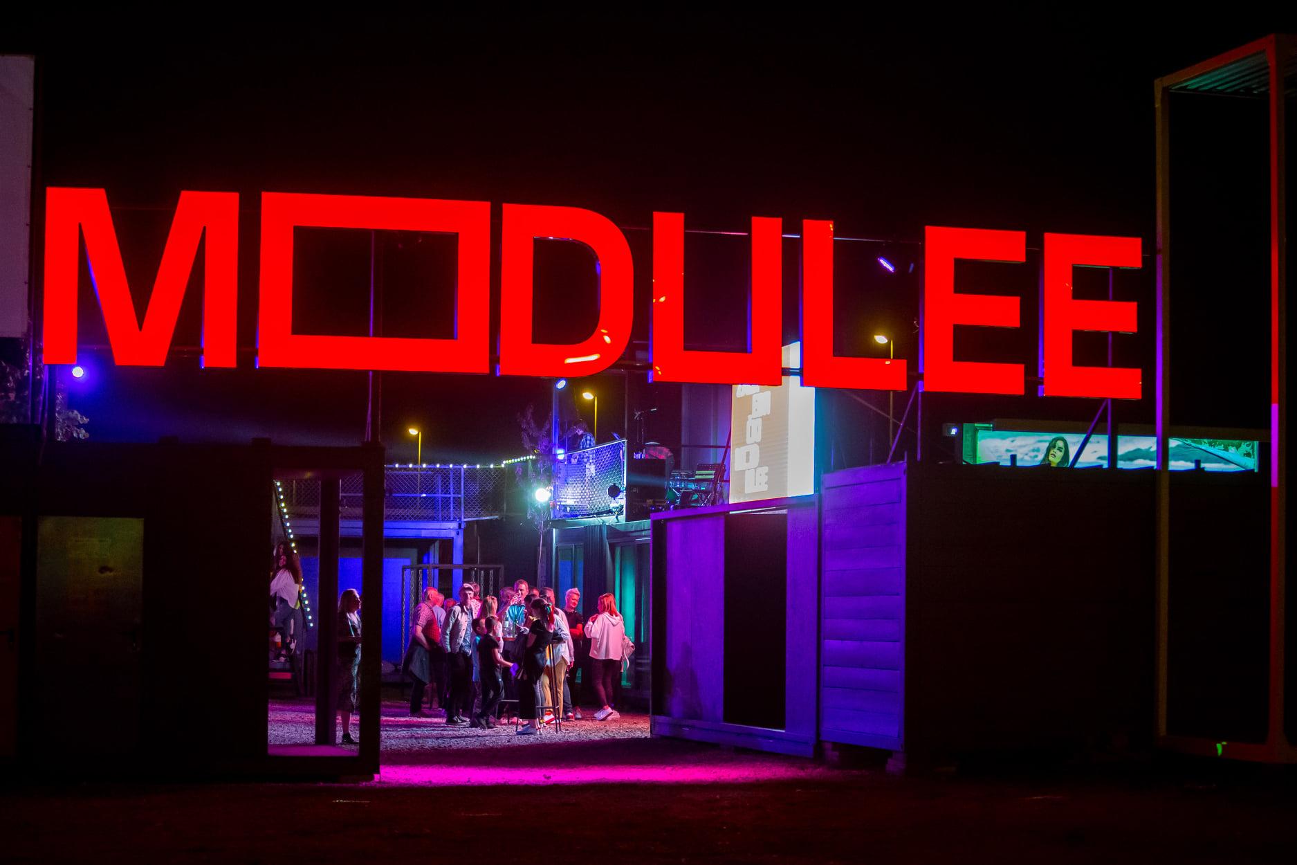 Zagrebački MODULEE je najveći street food event od 11.lipnja do 31. srpnja na istočnom parkiralištu  Zagrebačkog Velesajam