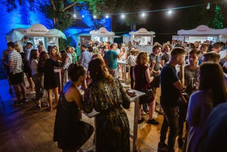 Poznati vinski festival Vinski grad  od 10. do 20. lipnja od  16,30 h  u Parku dr. Franje Tuđmana, Zagreb